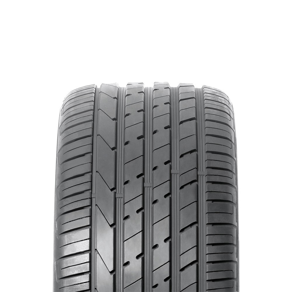 hankook ventus s1 evo2 suv k117a tyres from 225. Black Bedroom Furniture Sets. Home Design Ideas